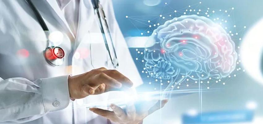 neurologista atende pacientes internados